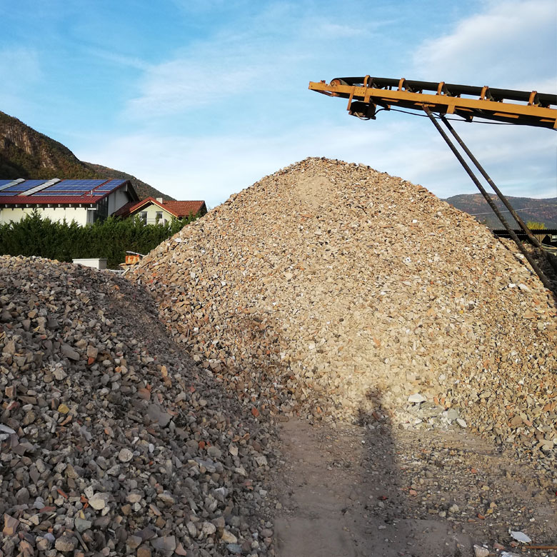 Materiale riciclato e riutilizzabile